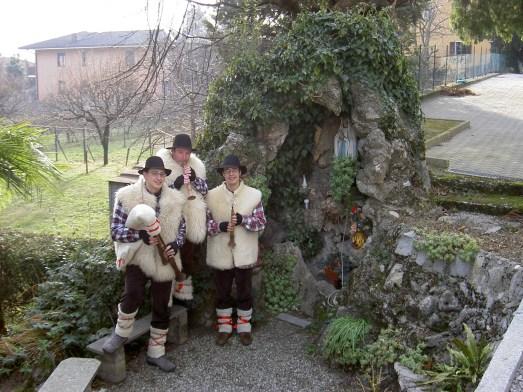 Avvento 2005. A Buccinigo d'Erba, una foto particolarmente evocativa.